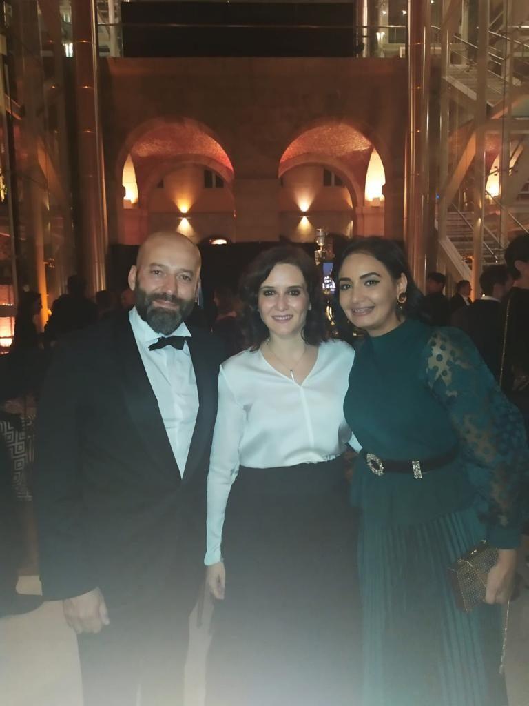 Doctor Charani e Isabel Díaz Ayuso en los premios Telva