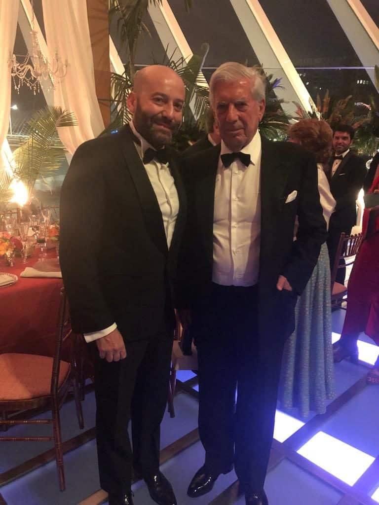 Doctor Charani y Vargas Llosa en los premios Telva
